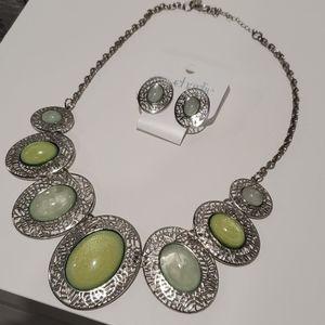 Beautiful Earrings + Necklace Set